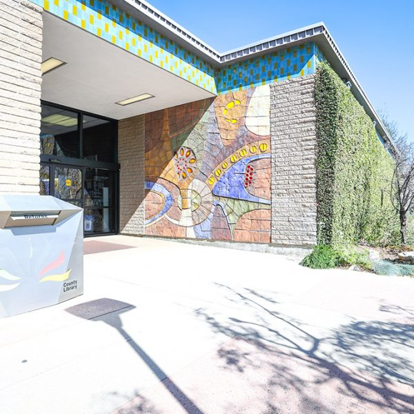 La Canada Flintridge Library